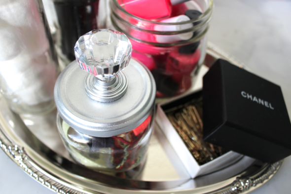 diy-door-knob-beauty-jars-mis-kris-glitter-n-glue-organize-glue